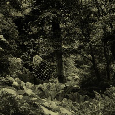 """""""Run & Hide"""" - single"""